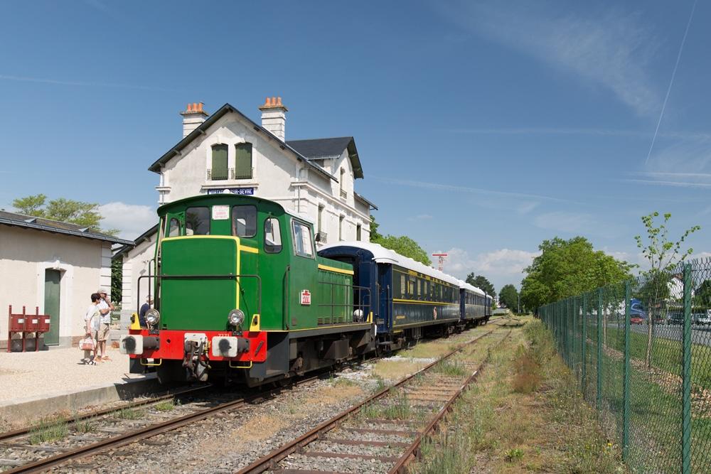 Train Les Chemins de Fers